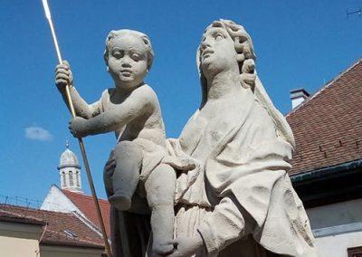 Sopron Orsolya téri Mária szobor restaurálása