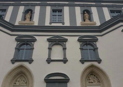 Sopron Szent György Templom homlokzati kőrestaurátor munkái