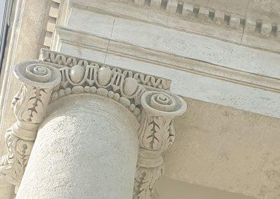 Vál Római Katolikus Templom homlokzati kőrestaurátor munkái