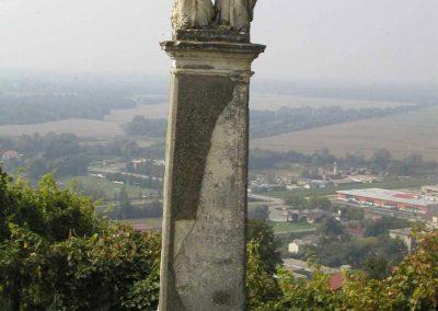 Lendva (Szlovénia) Szt. Mária és Anna kőfiguráinak és alépítményének restaurálása