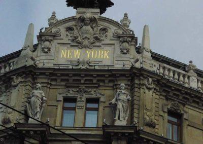 Budapest New York Palota homlokzati szobor rekonstrukciók